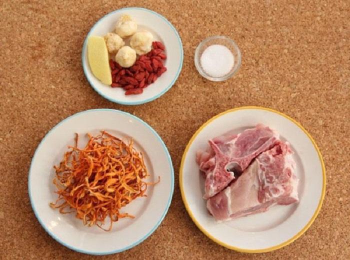 Nguyên liệu cho món ăn đông trùng hạ thảo hầm sườn heo