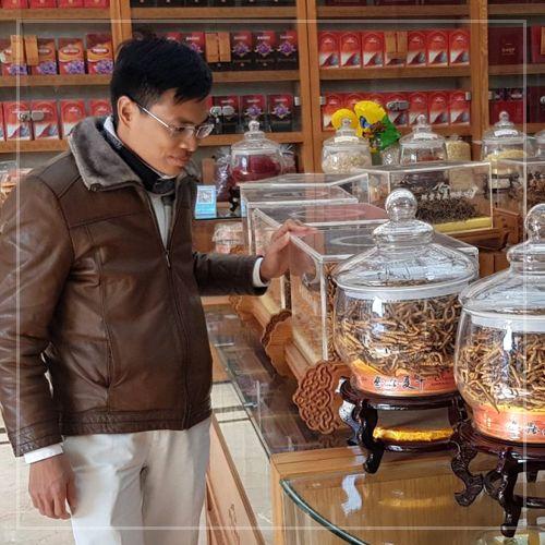 CEO Đào Văn Quang của Cửa hàng Đông trùng hạ thảo Onplaza